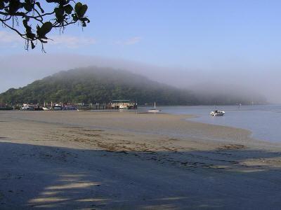 Manhã na praia das Encantadas