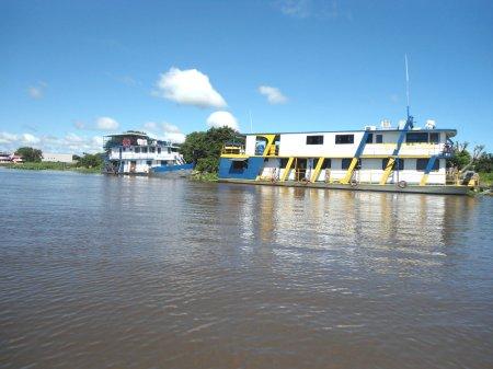 Embarcações de turismo (pesca) na Isla Margarita.